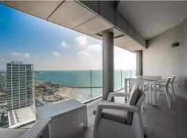 1 Bedroom Loft Royal Beach Hotel
