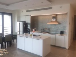 3 Bedrooms For Sale in White City